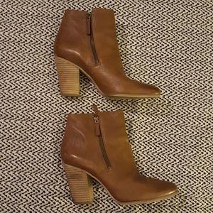 Beautiful Michael Kors Tan Ankle Boots